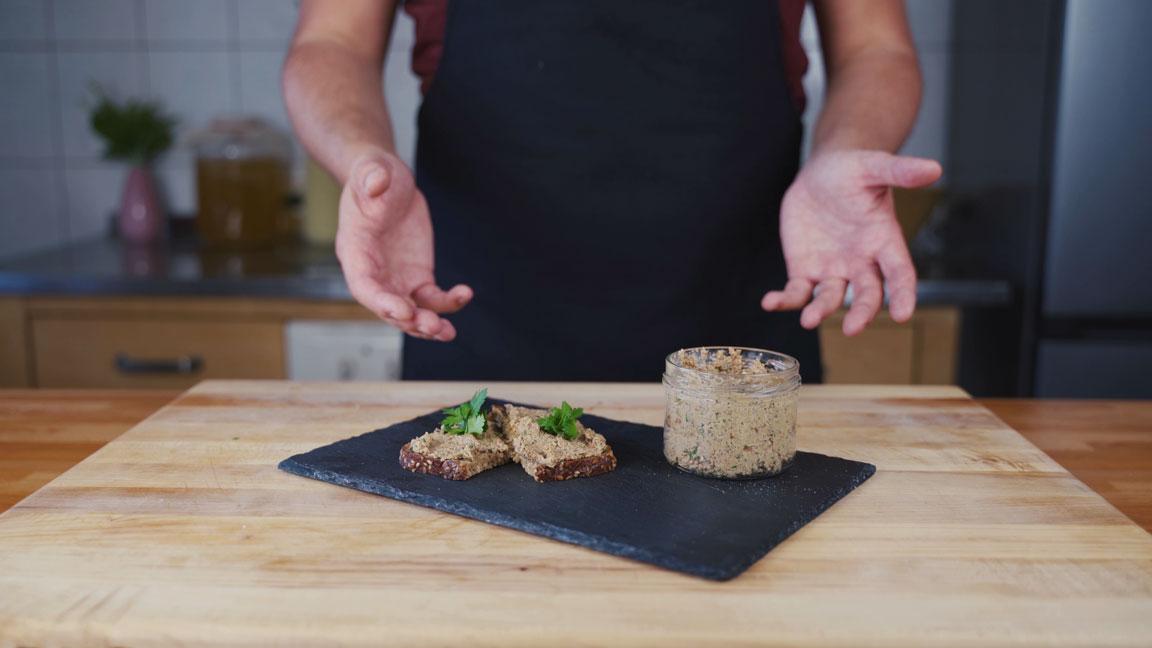 Veganer Pilz Walnuss Aufstrich - fertiger Aufstrich
