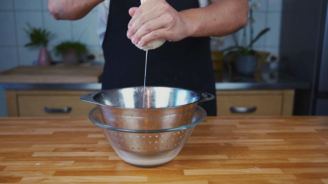 Butter selber machen - auswinden