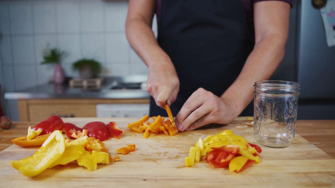 Paprika einlegen - Paprika schneiden