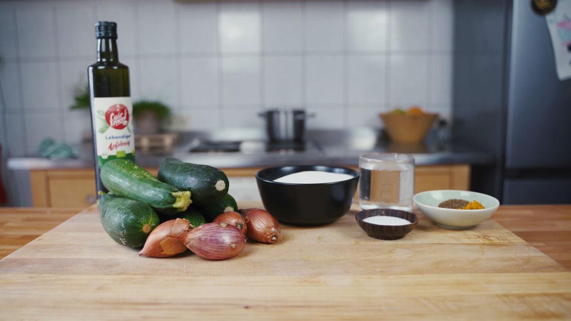 Zucchini einlegen - alle Zutaten