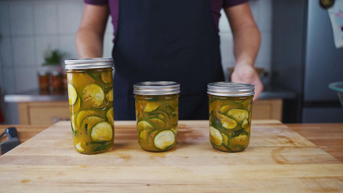 Zucchini einlegen - Fertige Gläser