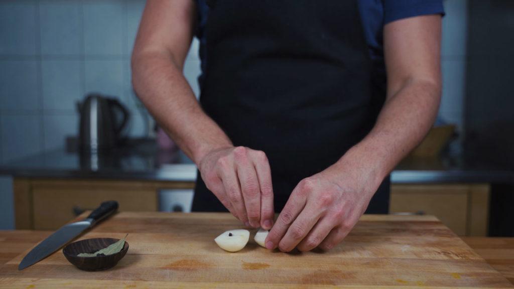 Süßer Senf selber machen -  Zwiebel