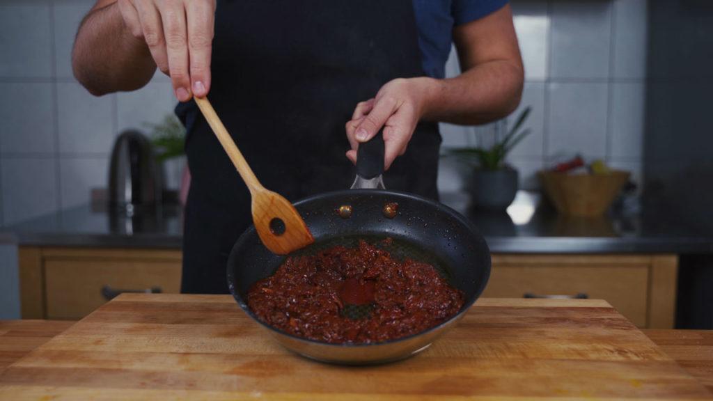 Tomatenaufstrich - einreduzieren
