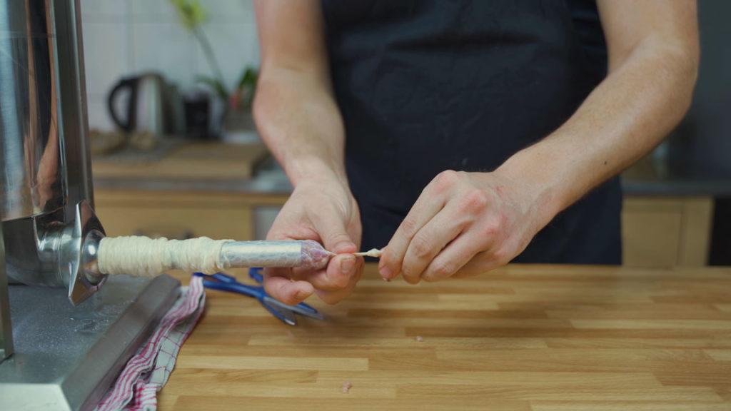 Salsiccia selber machen - Knoten