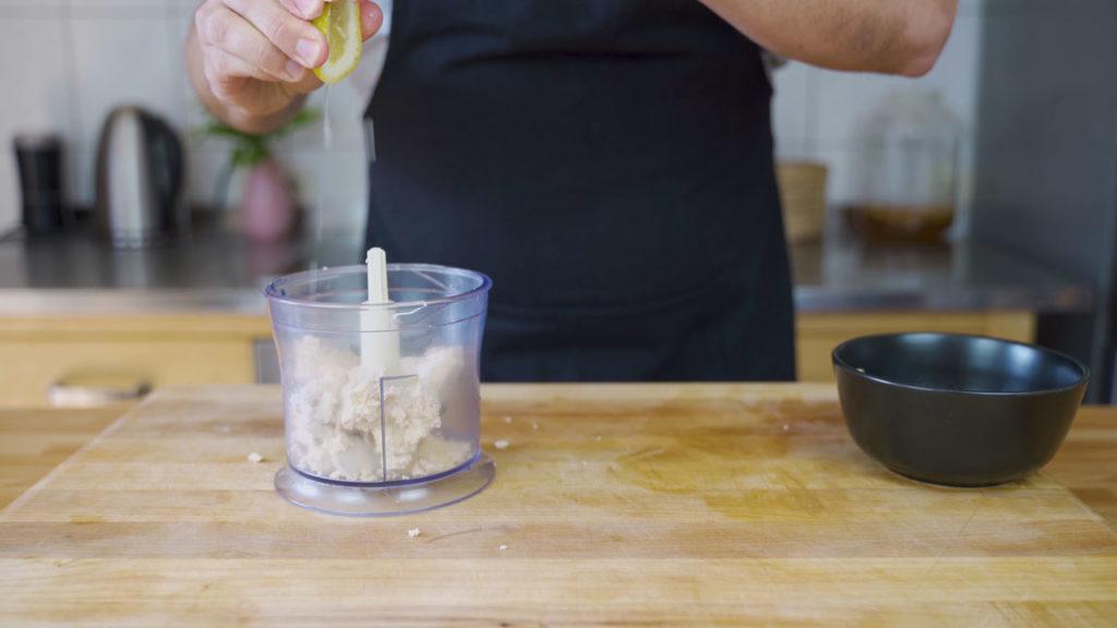 Tofu-kräuter-Aufstrich- bröseln