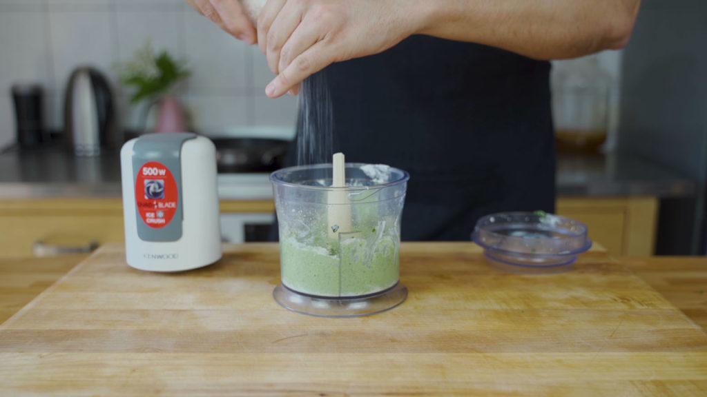 Spinat Feta Aufstrich - abschmecken