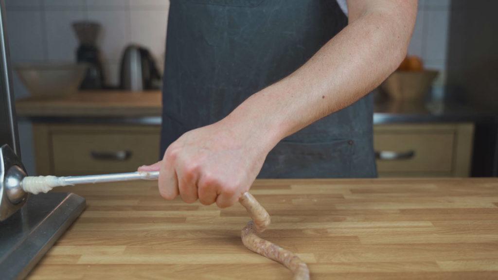 Salami-Sticks-abfüllen