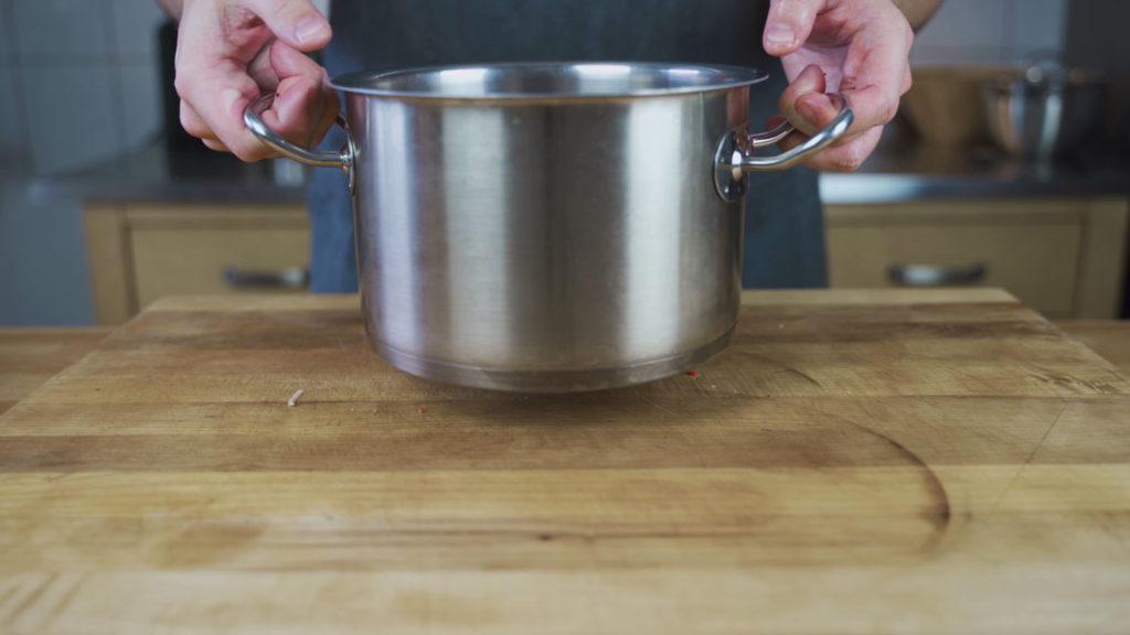 Wellwurst-Schwarte-kochen