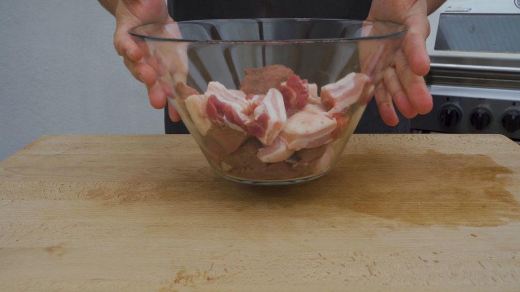 Wildschweinbratwurst-Gefrierschrank